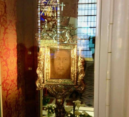 Manoppello face of God shrines of italy pilgrimage